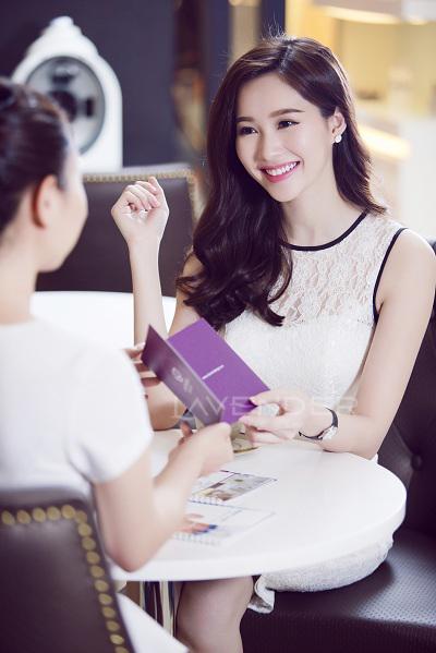 Bi-quyet-giup-Dang-Thu-Thao-chua-tung-trang-diem-xau-VTM-Lavender-4