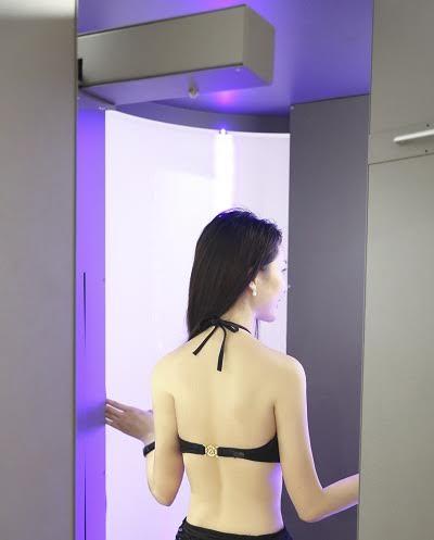 Hoa hậu Đặng Thu Thảo sử dụng phương pháp nhuộm trắng 360 độ