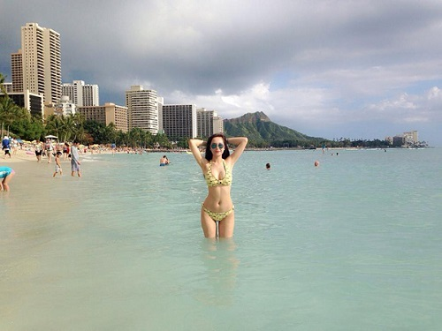 sao-viet-dien-bikini-khoe-da-trang-7