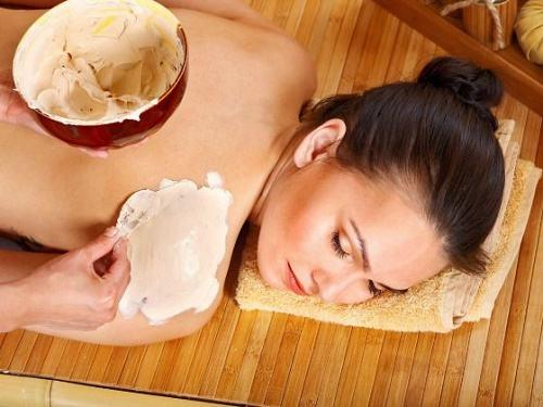 Tắm trắng bằng cám gạo